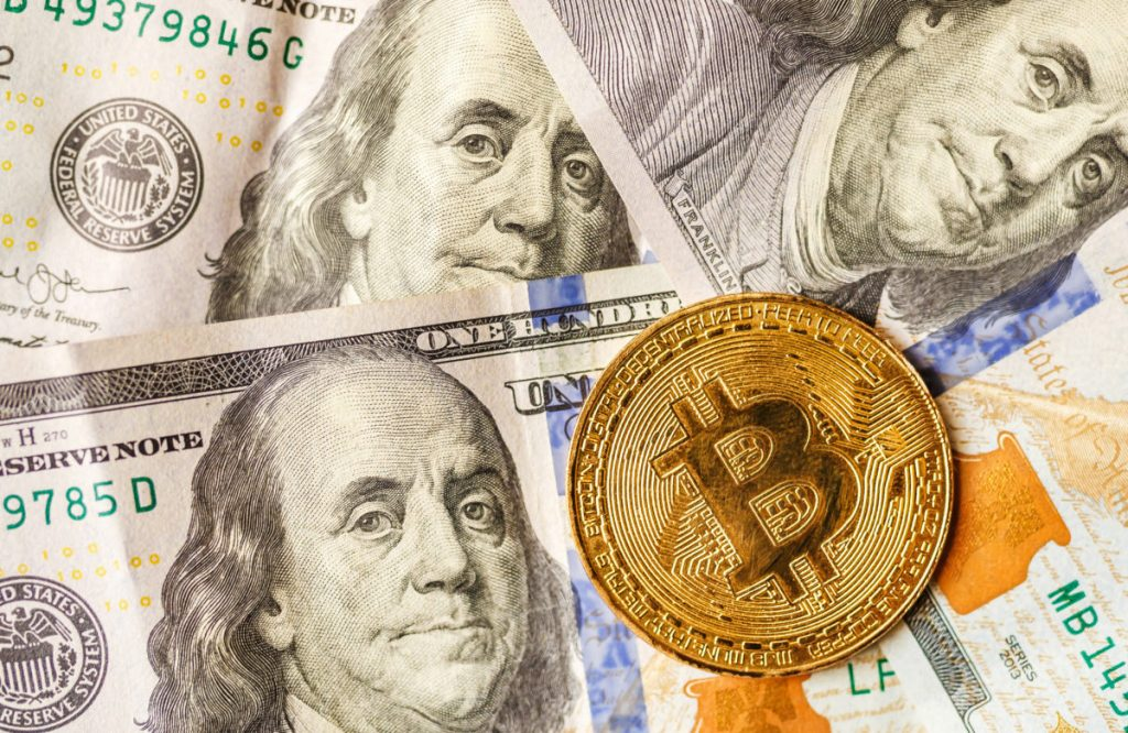 Crypto Analyst Calls As Low As $300 Bitcoin, Cites Lack of Demand